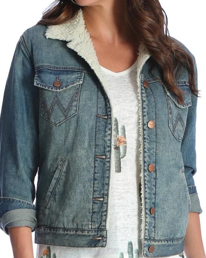 75acf1a506c Женская джинсовая куртка на меховой подкладке Wrangler Women s Denim Sherpa  Lined Jacket